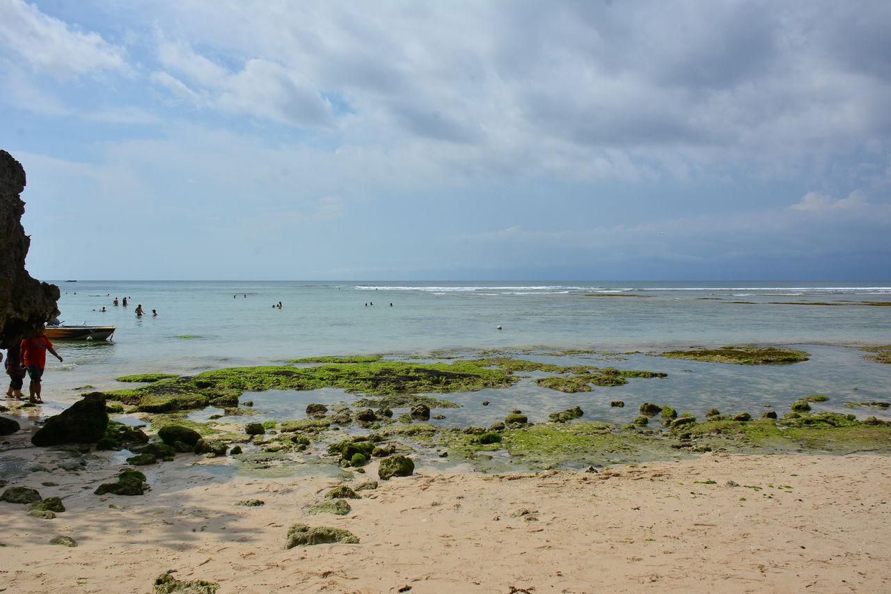 パダンパダンビーチの海