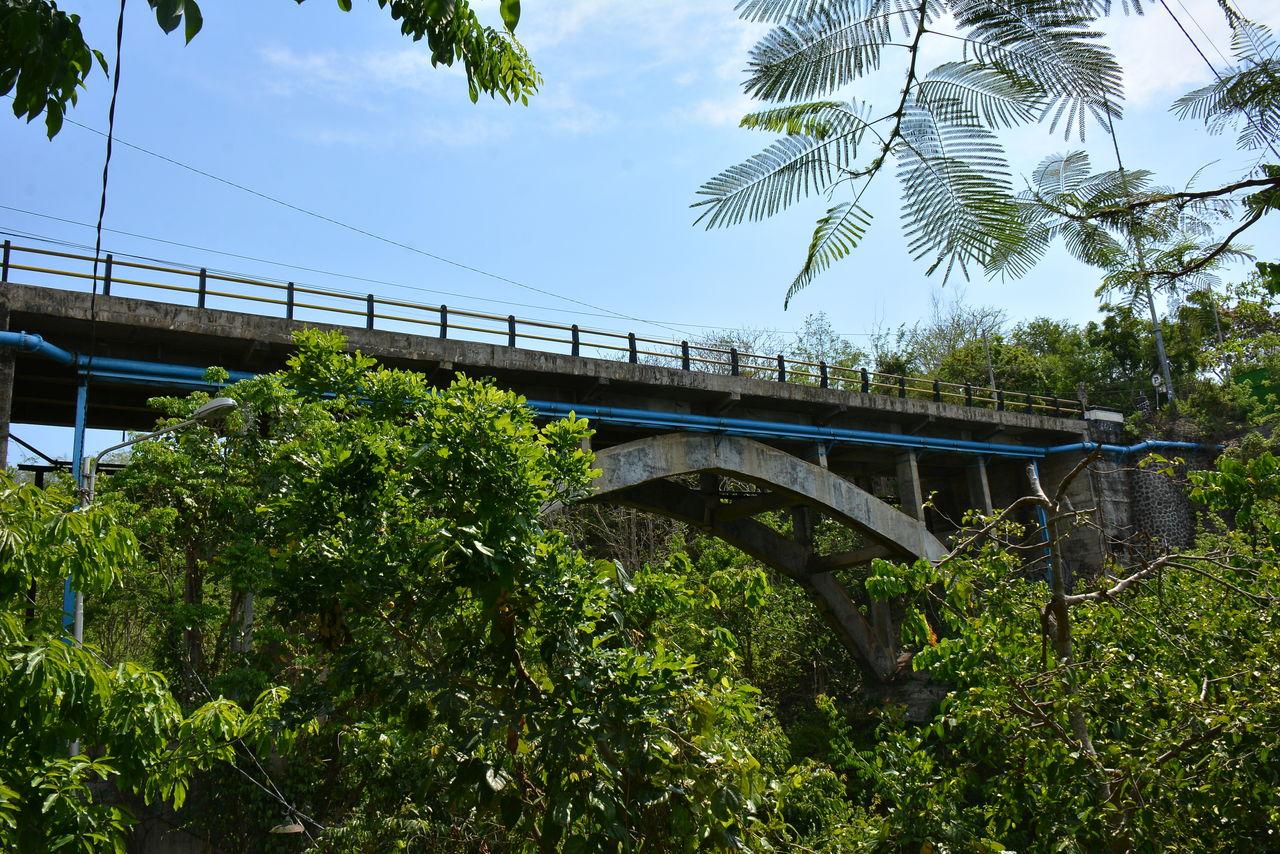 パダンパダンビーチの橋