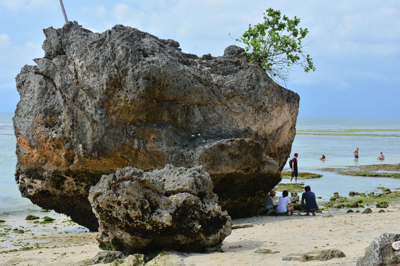 パダンパダンの巨石